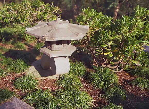 Фонарик, Японский сад