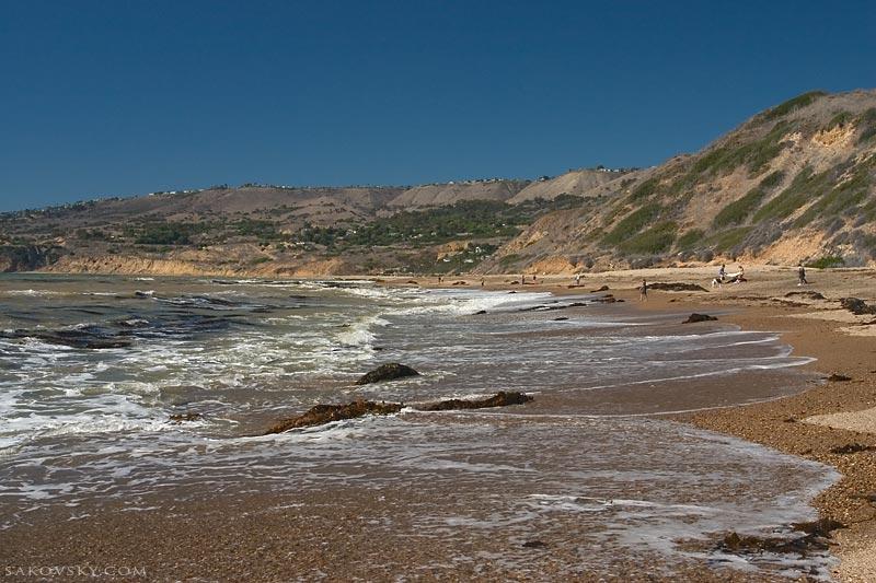 Пляж - песок, ласковое море, прибой, волны, яркое солнце