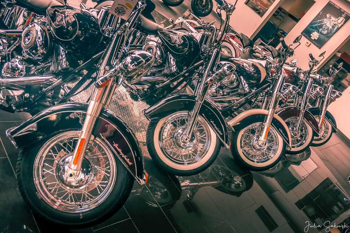 Дилер Bartels Harley Davidson