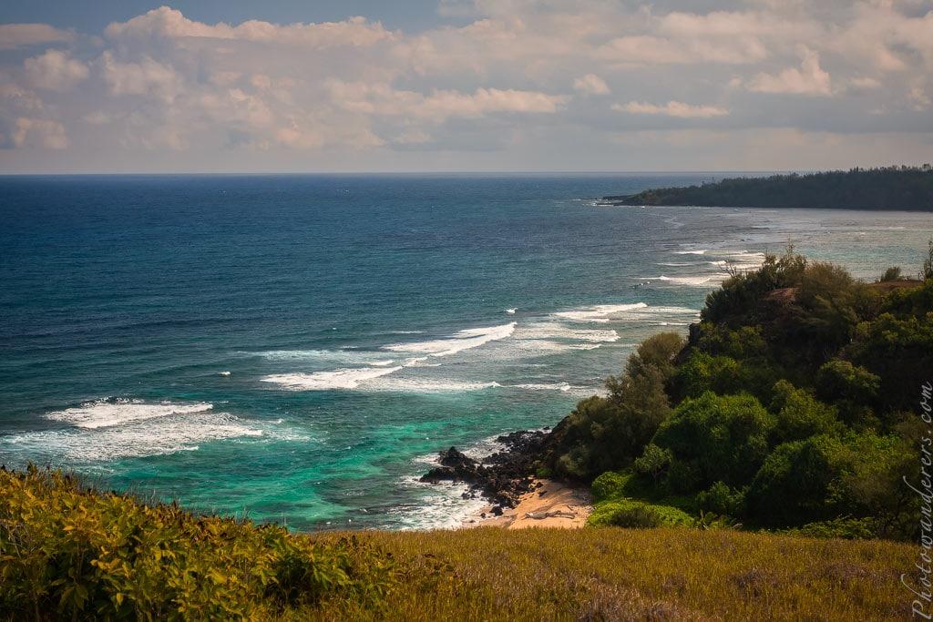 Вид на пляж Калакай из сада На-Айна-Кай | View on Kaluakai Beach from Na Aina Kai garden