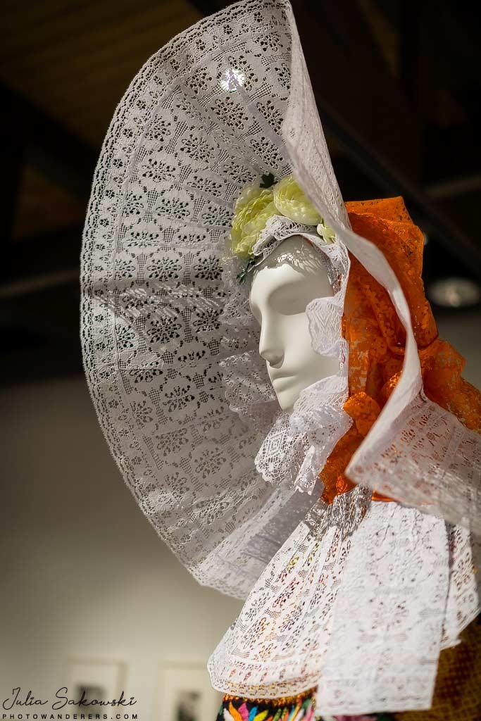 Обычная одежда женщины Техуантепек | Customary clothing of a Tehuantepec woman