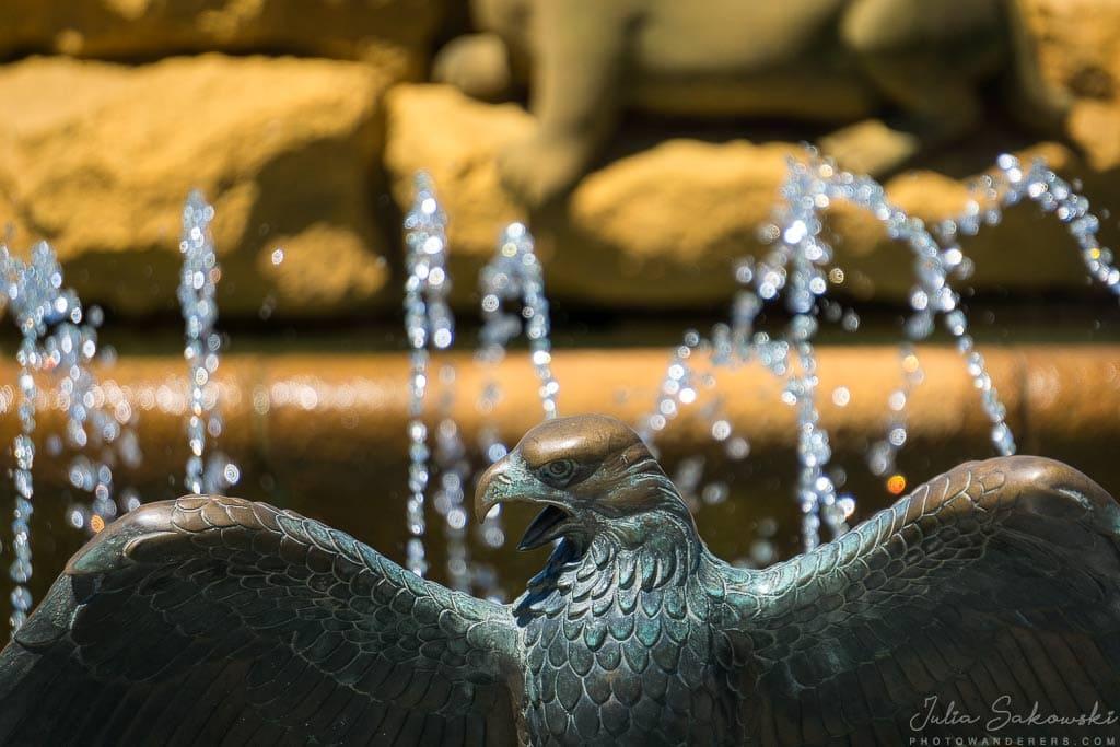 Орел - символ острова Ванкувер, фонтан Centennial | Centennial Fountain