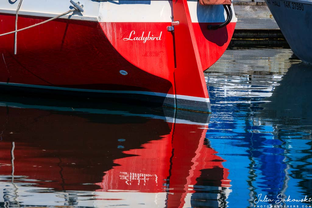 Яхта в Oak Bay Марине