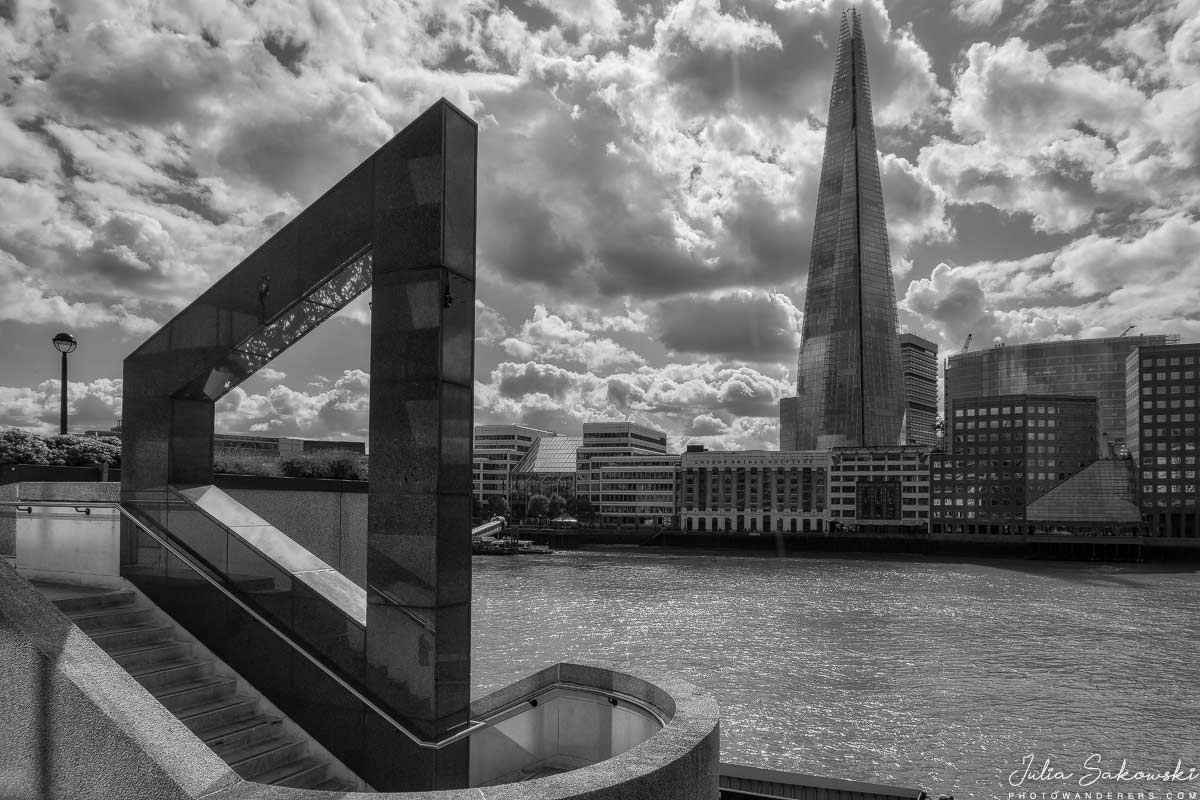 Небоскреб Шард с берега Темзы, Лондон | The Shard tower from Thames riverbank
