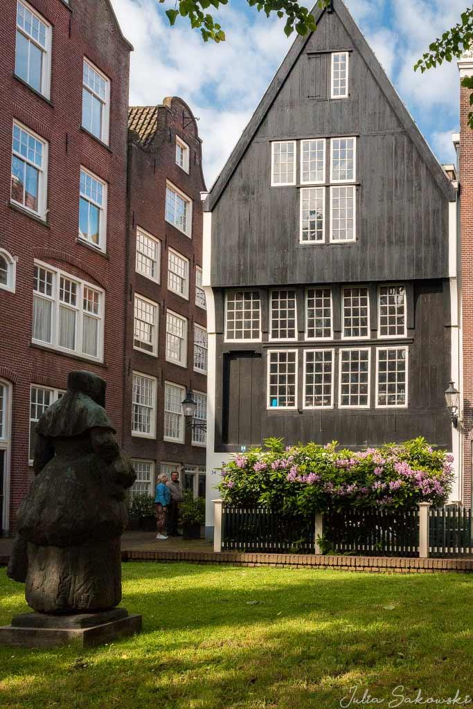 Самый старый деревянный дом, Амстердам
