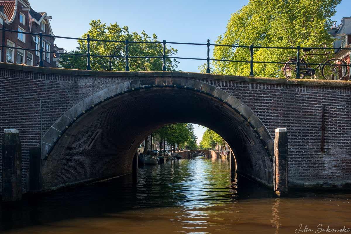 Мосты через канал Регулирсграхт