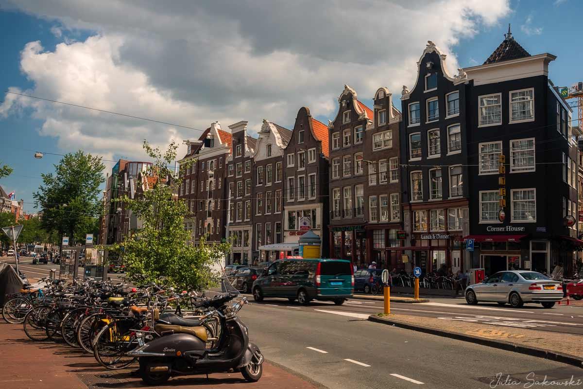 Фронтоны, Амстердам