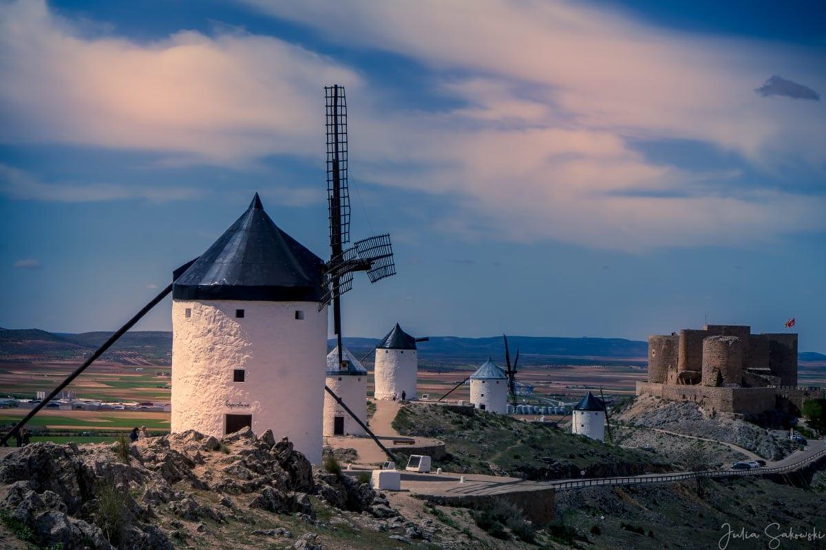 Мельницы и замок Консуэгра | Consuegro Windmils and castle
