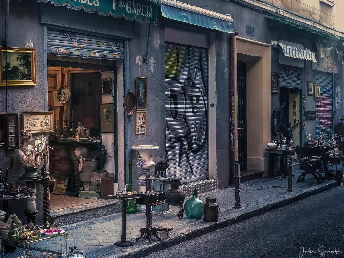 """Утро на блошином рынке """"Эль-Растро"""", Мадрид, Испания"""