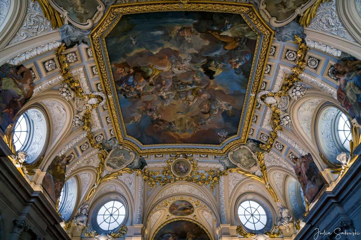 «Религия, защищенная Испанией», фрески на потолке Парадной лестницы Королевского дворца Мадрида