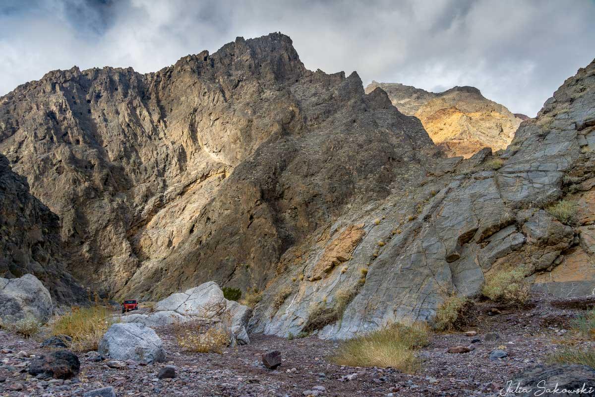 Могучие стены каньона Эхо
