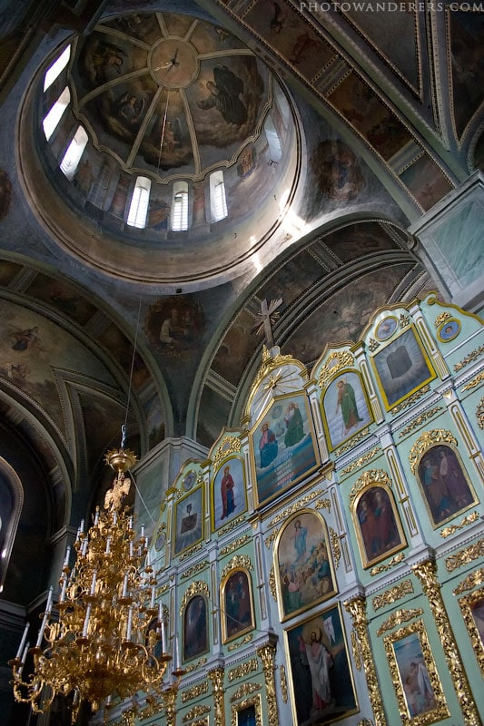 Иконостас и купол. Троицкий собор (Чернигов)