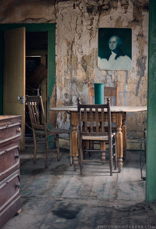 Столовая в доме Лотти Джоэл, город-призрак Боди (Bodie Ghost Town)