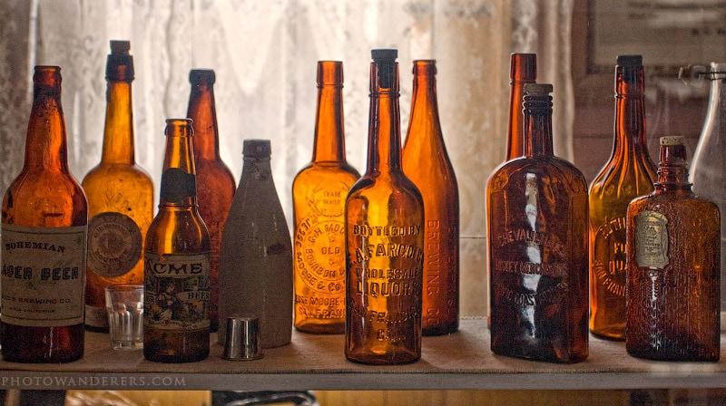 Старинные бутылки, город-призрак Боди (Bodie Ghost Town)
