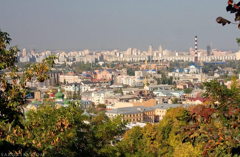 Вид со Старокиевской горы на Подол