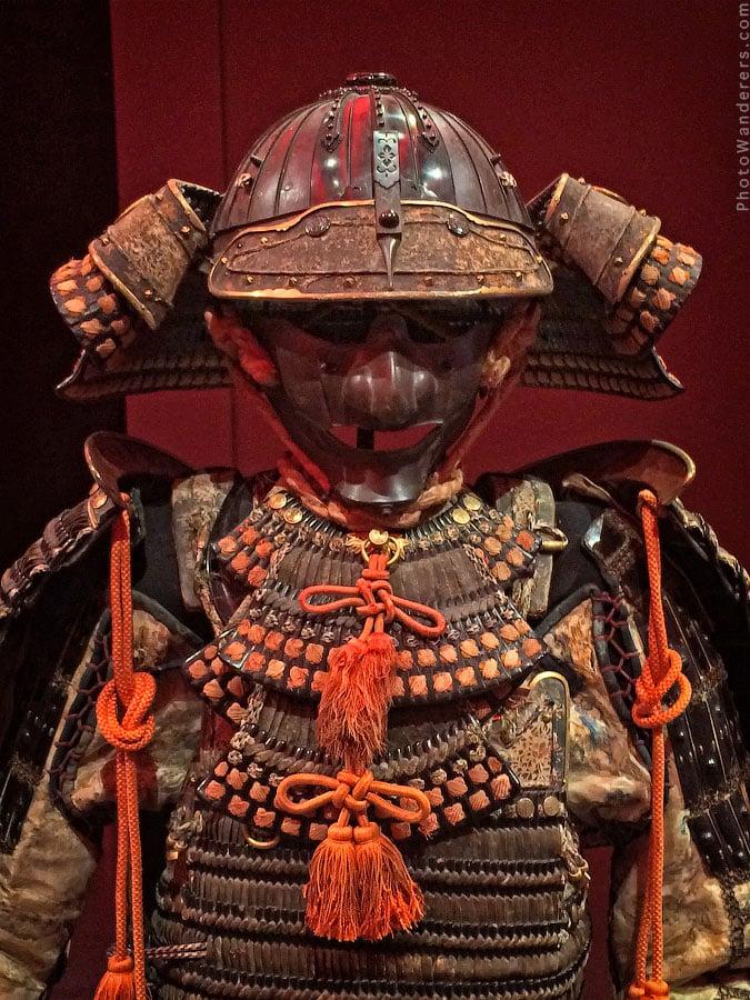 Доспехи до-мару, кираса 17 века, шлем 1550 года