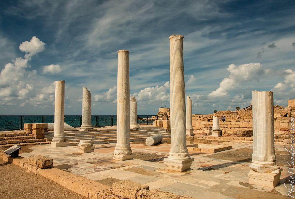 Руины общественной бани в Кесарии (Public bath in Caesarea), Израиль