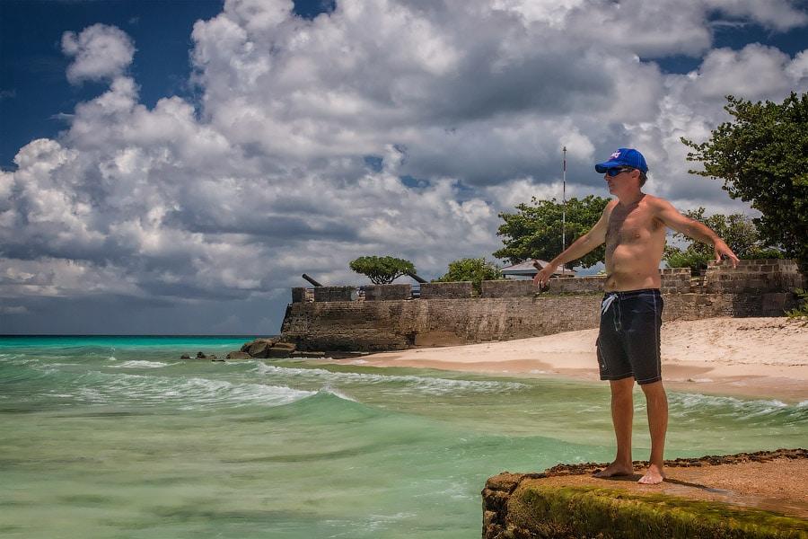 Позируем на фоне Форта Чарлза |Posing in front of Fort Charle