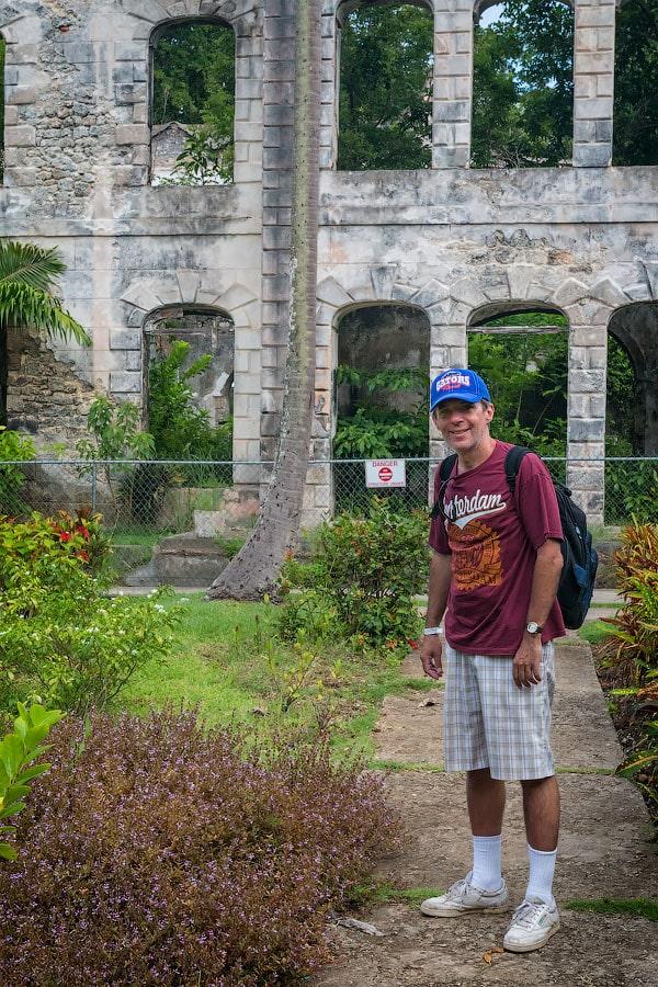 Возле руин особняка Фарли Хилл, Барбадос | Near Farley Hill Great House ruins