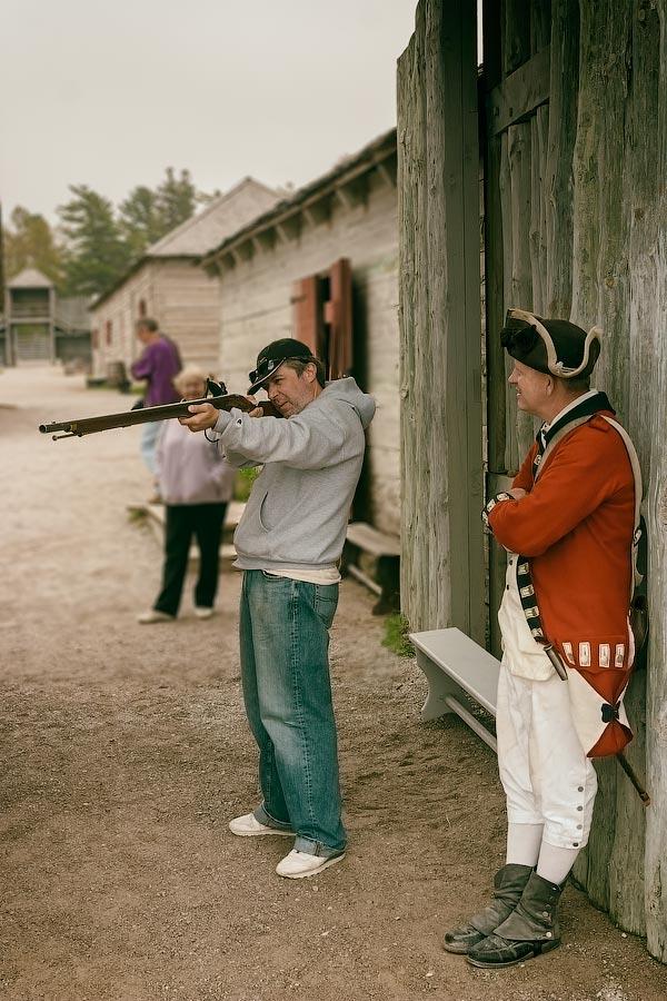 В воротах форта Мишилимакино (Fort Michilimackinac), Мичиган