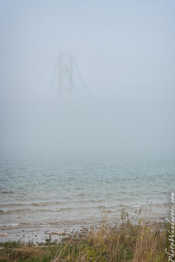 Туман над проливом Макино (Mackinac Straits)
