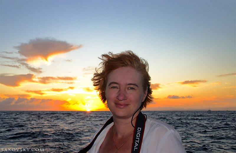 Закат. Это был незабываемый День Варенья - катер, шторм и в конце потрясающие виды на NaPali, Kauai