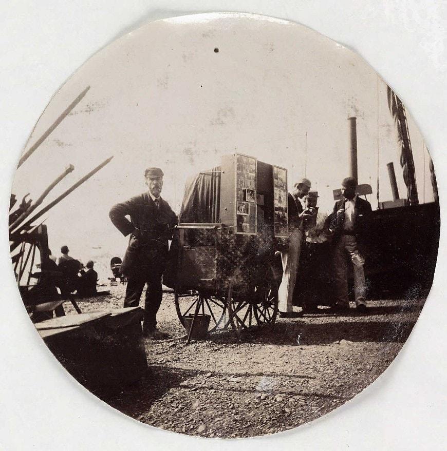 Пляжный фотограф, около 1890 года