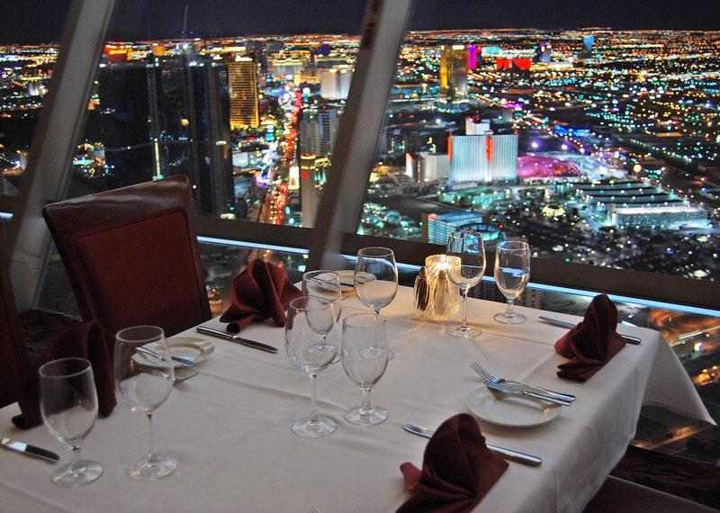 Вершина мира (Top of the World) - ресторан на верхушке башни Стратосферы