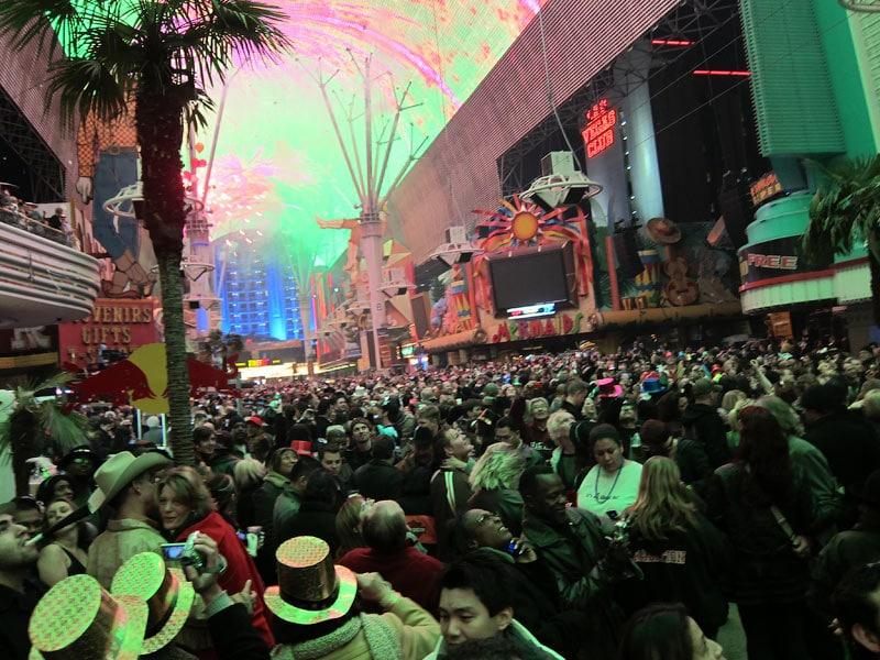 Новый Год на Фримонт-стрит (Fremont Street Experience)