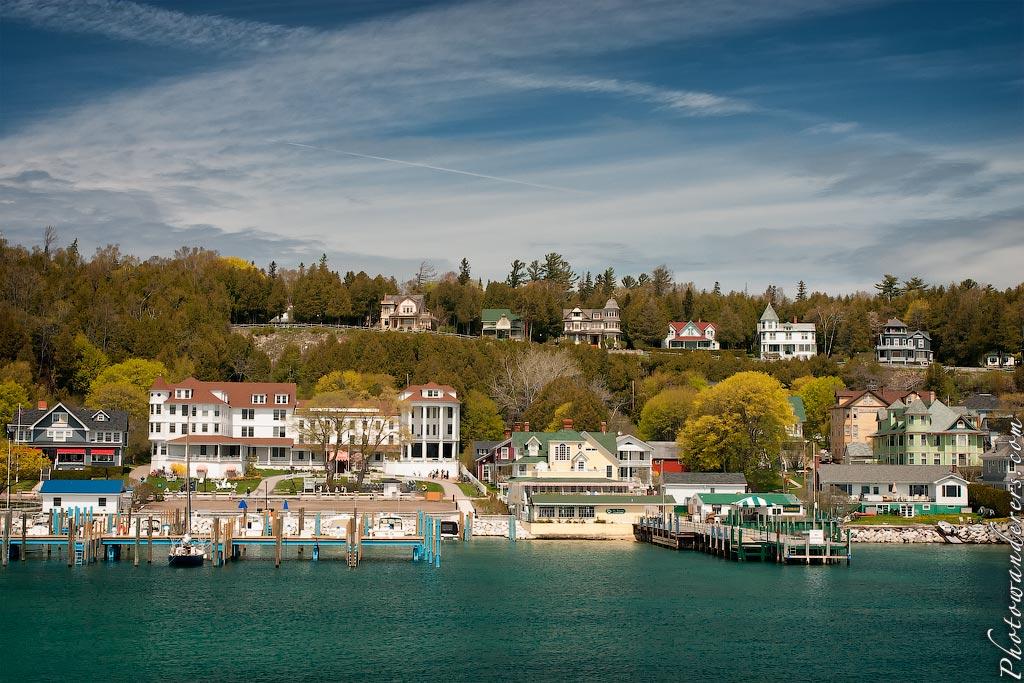 Викторианские домики, остров Макино, Мичиган | Victorian houses, Mackinac Island, Michigan