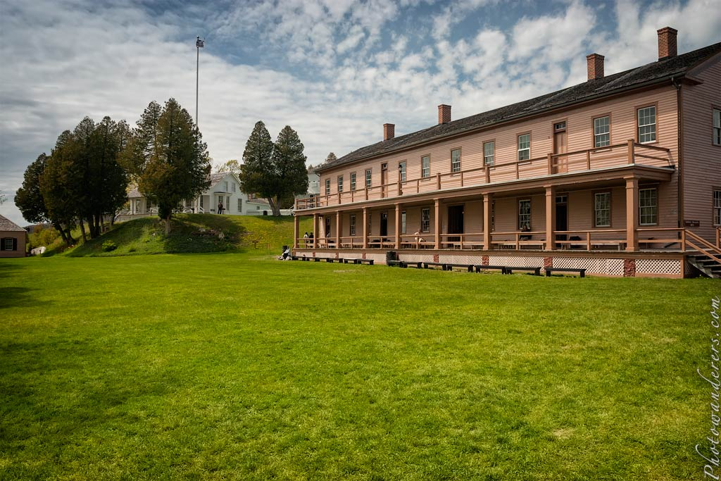 Казарма (1859), форт Макино, Мичиган | Soldiers' Barracks, Fort Mackinac, Michigan