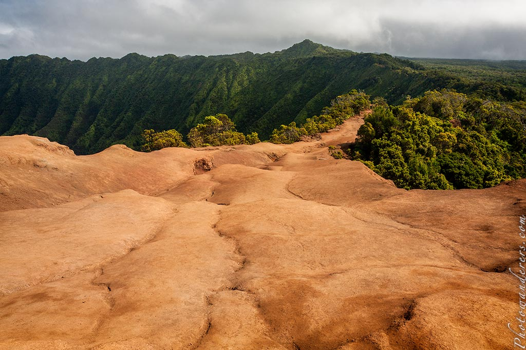 Красная гавайская земля, Кауаи | Red Hawaiian soil, Kauai