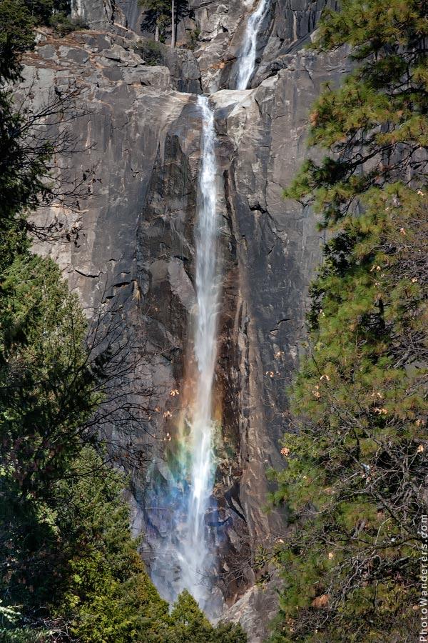 Радуга на Нижнем водопаде | Rainbow on Lower Yosemite Fall