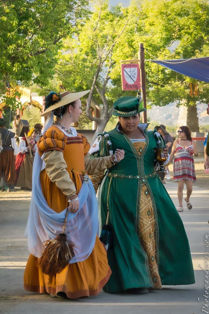 Дамы Королевского двора | Ladies from the Queen Court