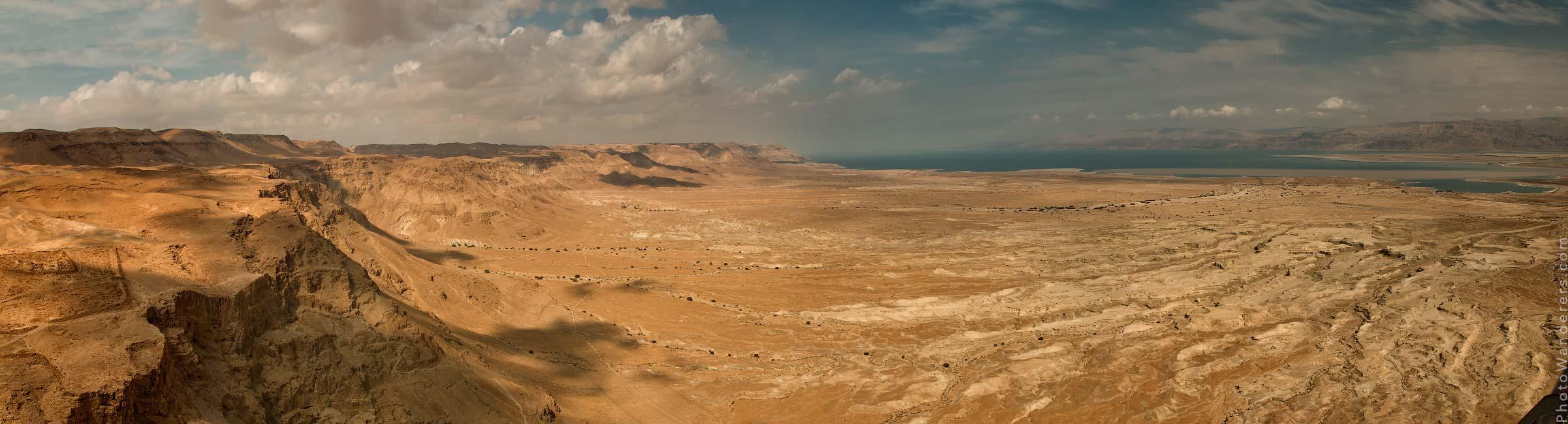 Вид со стен крепости Масады на Мертвое море (View from Masada to Dead Sea), Израиль