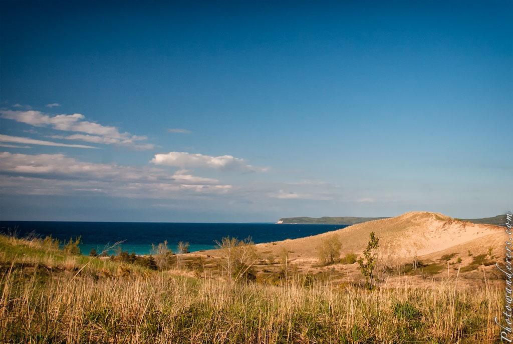 Вид на залив Спящего Медведя и мыс Пирамида | Sleeping Bear Bay and Pyramid Point View