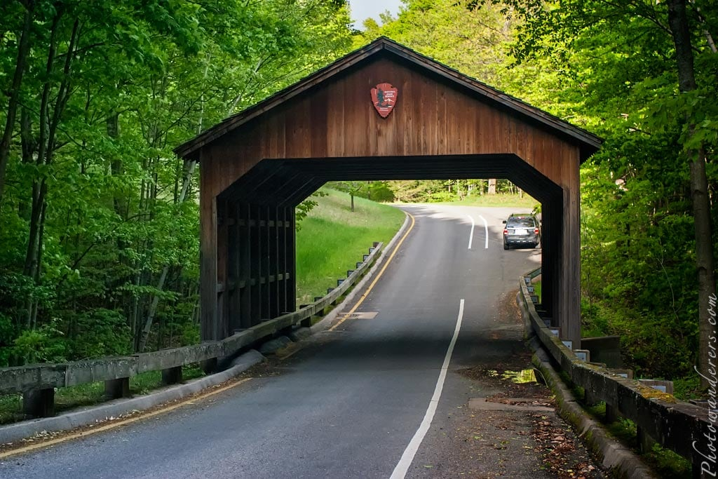 Крытый мост на дороге Пирса Стокина   Covered Bridge on Pierce Stocking Scenic Drive