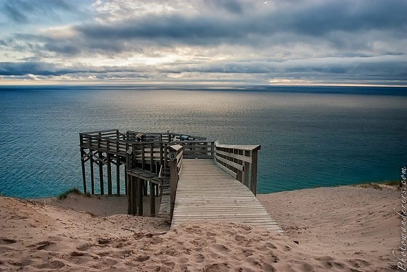 http://photowanderers.com/wp/wp-content/uploads/post/sleeping-bear-dunes/bear_dunes_6026-590x394.jpg
