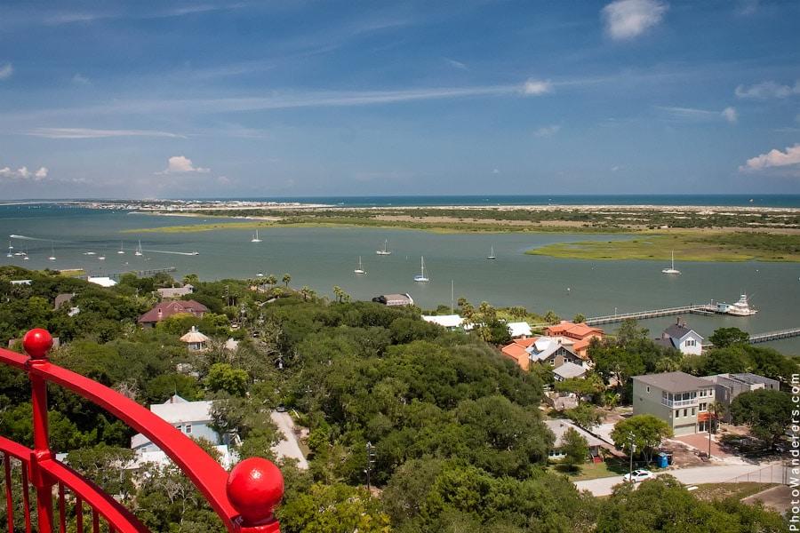 Вид с маяка на остров Конч (Conch Island)