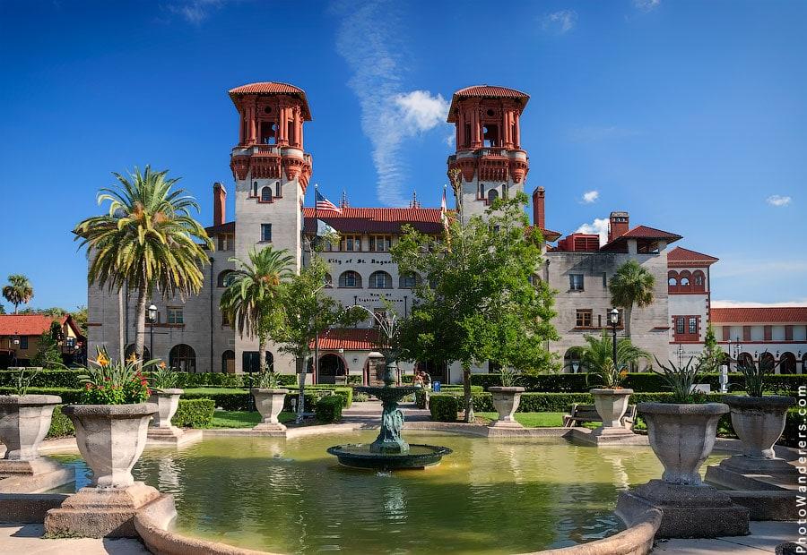 Бывший роскошный отель Алькасар, 1887 | Former luxury Alcazar Hotel