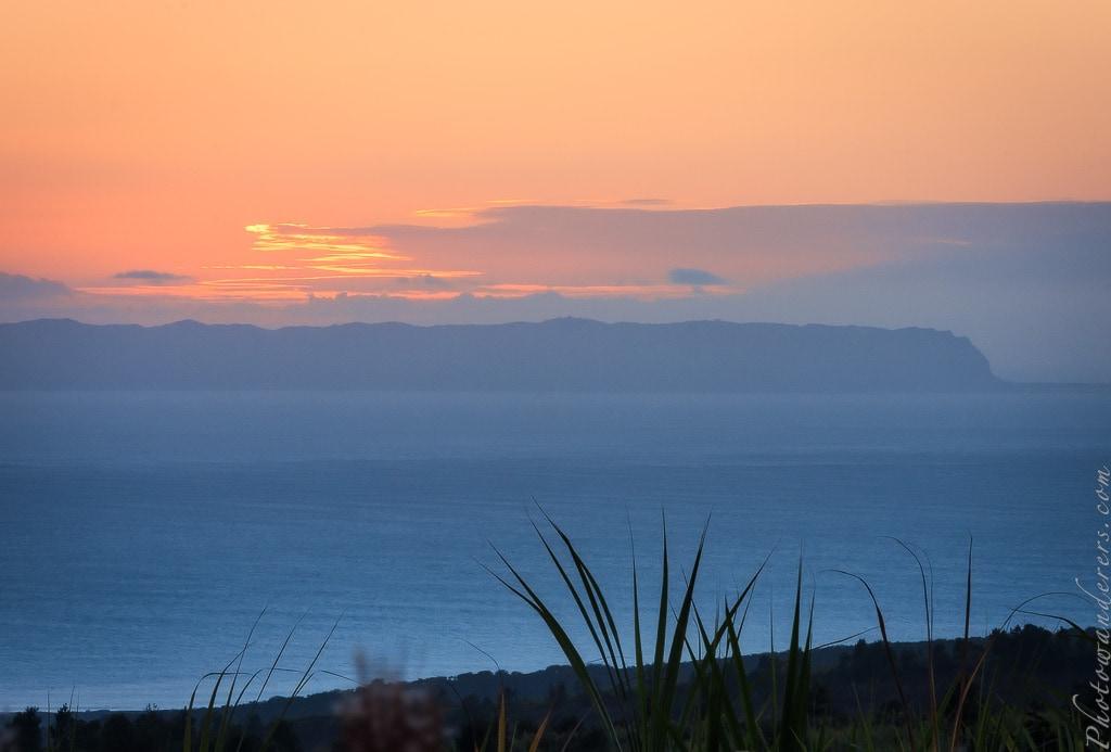Остров Ниихау на закате | Niihau island on sunset