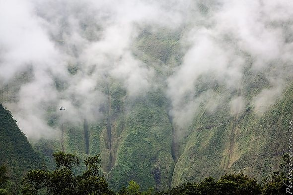 http://photowanderers.com/wp/wp-content/uploads/post/travel-center-kauai/kauai_1140-590x394.jpg
