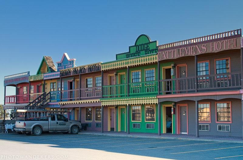 Стейк Большого Техасца (Big Texan Steak Ranch and Motel) – мотель, отель для лошадей и ресторан
