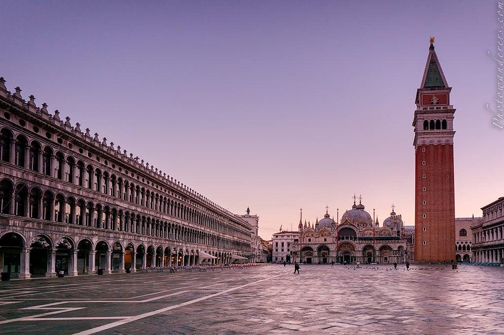 Пьяцца Сан-Марко на рассвете, Венеция, Италия