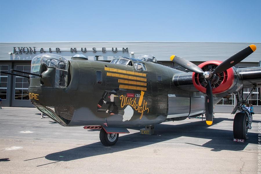 Консолидэйтед B-24 «Либерейтор» (Consolidated B-24 Liberator) — американский тяжёлый бомбардировщик времён Второй мировой войны
