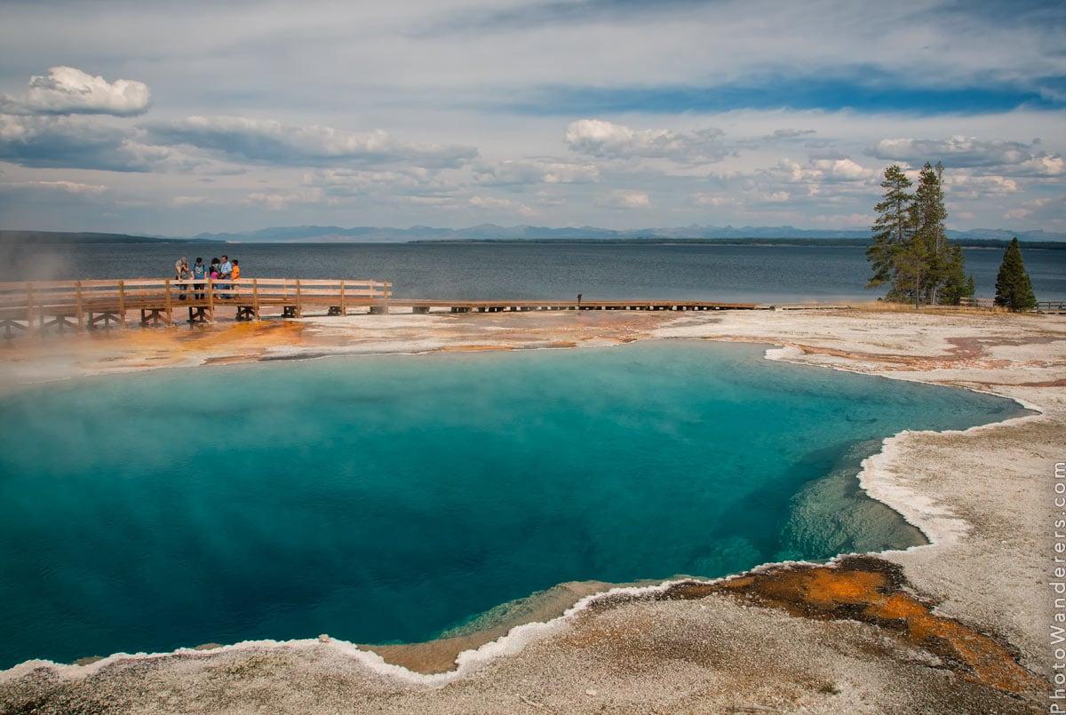 Черная Заводь, Бассейн Вест-Тамб (Black Pool, West Thumb Geyser Basin)